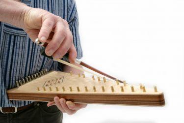 Streichpsalter - Spiel auf der linken Seite