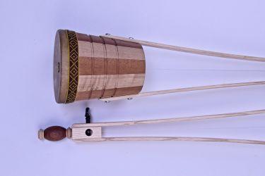Schallbecher aus Mahagoni und Anigre und Ebenholzwirbel